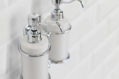 Double soap dispenser